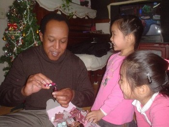 Web_me_and_jinnys_neices_24dec04